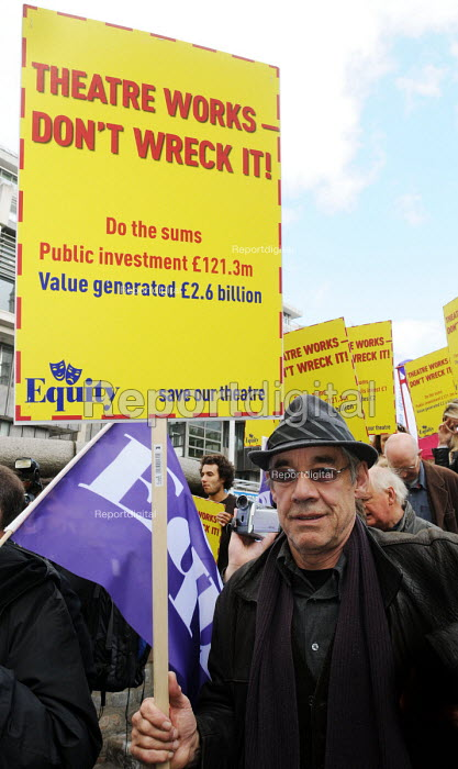 Actor and Equity member, Roger Lloyd Pack, at a protest in 2010 against cuts to government funding of the Arts Council. - Stefano Cagnoni - 2010-10-23
