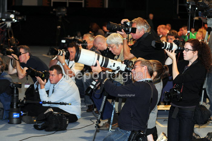 News Photographers at work at the 2010 Trades Union Congress in Manchester. - Stefano Cagnoni - 2010-09-13