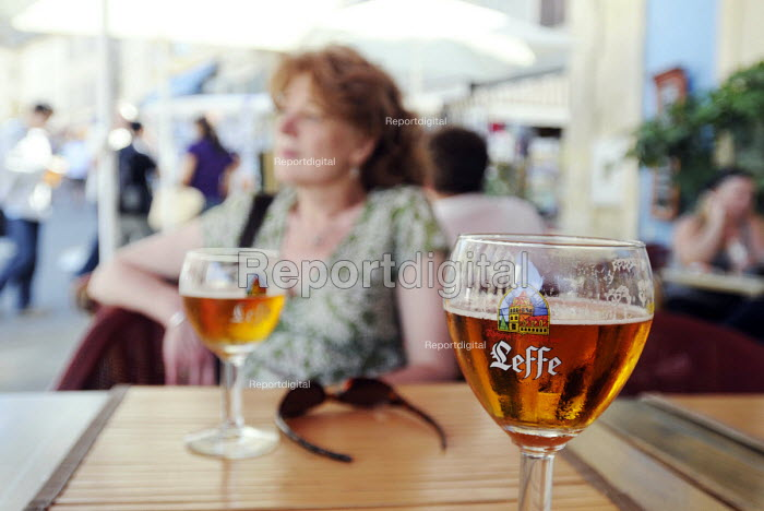 Two glasses of Leffe Beer on a table at a cafe in Arles in southern France. The beer is brewed by InBev Belgium - Stefano Cagnoni - 2011-08-06