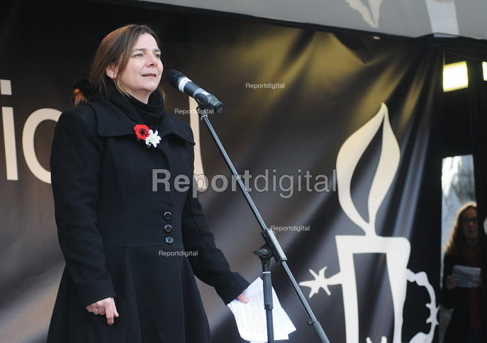 Global Day for Egypt organised by the TUC and Amnesty International. People celebrate the resignation of Mubarak. Trafalgar Square, London. Sally Hunt UCU speaking - Stefano Cagnoni - 2011-02-12