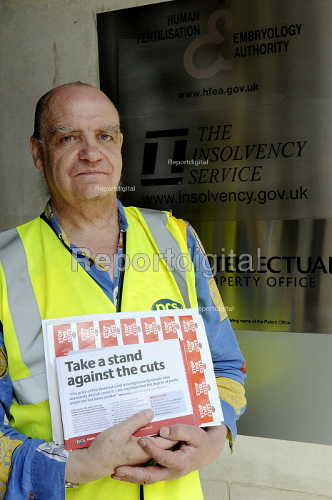 Staff at the Insolvency Service on the picket line as part of a a national one day strike for a fair pension by PCS & other union members. - Stefano Cagnoni - 2011-06-30