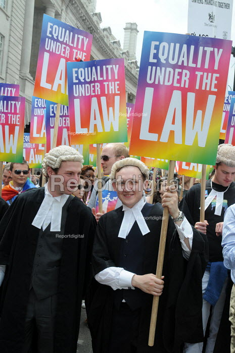 Gay Pride demonstration in London on the 40th anniversary of the first Gay Pride march. Members of the legal profession join the demonstration. - Stefano Cagnoni - 2011-07-02