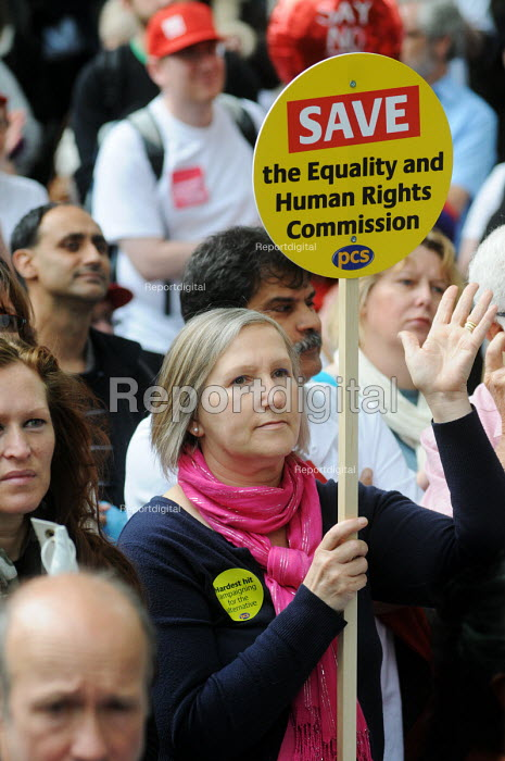 Save the EHRC. The Hardest Hit - a campaign group of united Disability Rights organisations, protest in London against cuts in disability benefit. It was the biggest ever protest by disabled people in the UK. - Stefano Cagnoni - 2011-05-11
