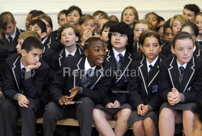 The first ever Year 7 intake at the West London Free School, Hammersmith, London. - Stefano Cagnoni - 2011-09-09