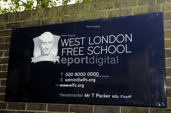 Sign for the West London Free School, Hammersmith, London. - Stefano Cagnoni - 2011-09-09