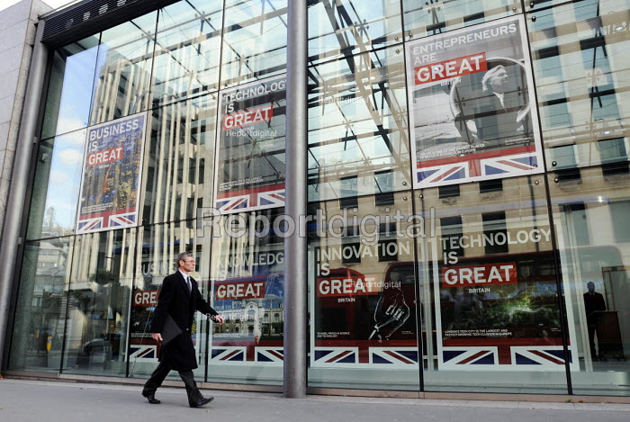 The GREAT campaign - Posters promoting British business, technology, innovation, skills and Entrepreneurship in the windows of the Department for Business, innovation & skills, Westminster. Business is Great, Technology is Great, Entrepreneurs are Great (picture of Richard Branson), Innovation is Great, Knowledge is Great. - Stefano Cagnoni - 2012-10-30