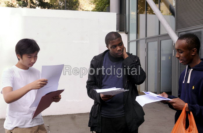 Students at an Academy School in north London receive their GCSE results. - Stefano Cagnoni - 2012-08-23