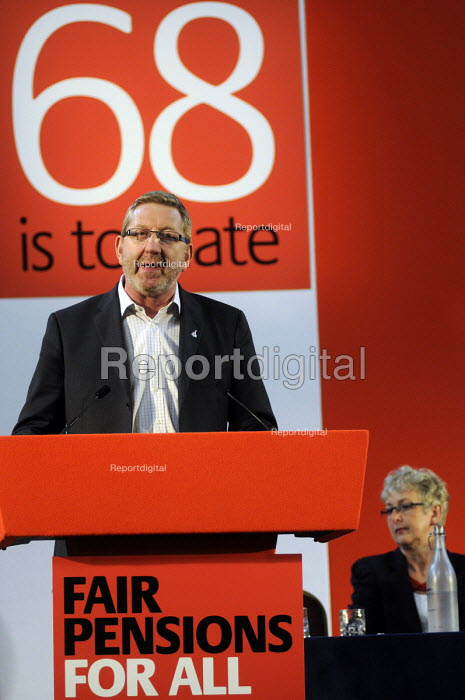 Len McLuskey of UNITE, addresses a trade union rally calling for Fair Pensions For All, London - Stefano Cagnoni - 2012-05-10