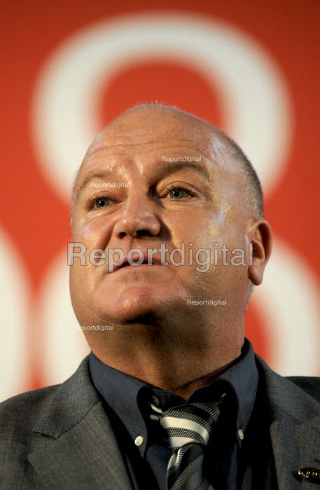 Bob Crow of the RMT, addresses a trade union rally calling for Fair Pensions For All, London - Stefano Cagnoni - 2012-05-10