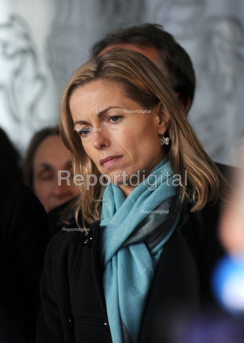 Kate McCann, mother of Madeleine McCann and one of the victims of telephone hacking, listens to a spokesman talking to the press outside the QEII Centre in Westminster after Lord Justice Leveson's press conference at to officially launch the results of his Inquiry into media ethics and practise: The Leveson Report. - Stefano Cagnoni - 2012-11-29