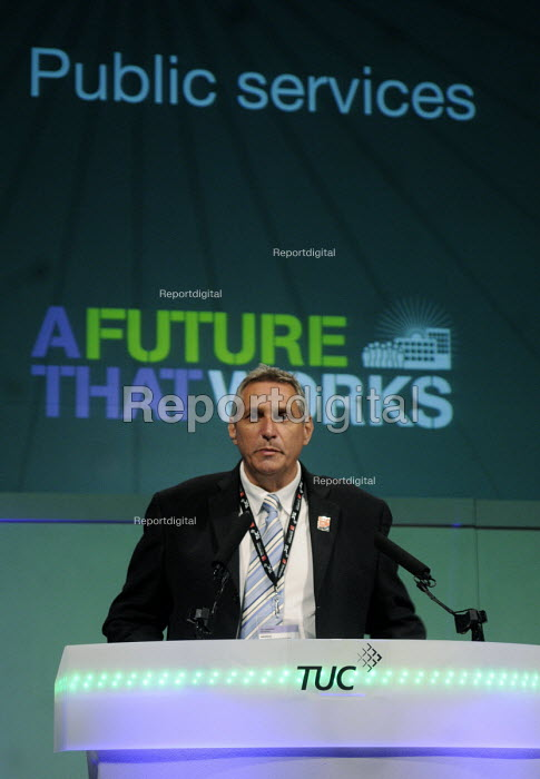 Eddie Saville Gen Sec of the HCSA, speaks to the 2012 TUC Congress - Stefano Cagnoni - 2012-09-09