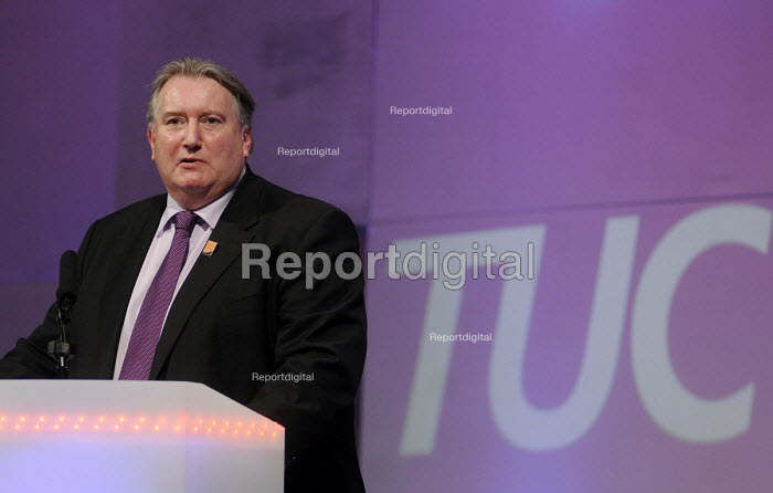 Paul Kenny, Pres speaking at the 2012 TUC Congress. - Stefano Cagnoni - 2012-09-10