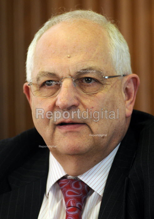 Martin Wolf, journalist with The Financial Times. - Stefano Cagnoni - 2012-03-30
