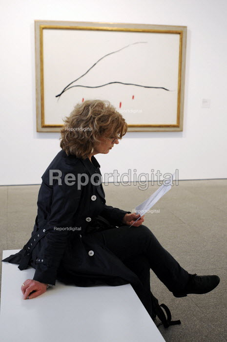 Visitor sitting in one of the art galleries at the Reina Sofia Museum in Madrid, Spain, Sofia Queen Art Centre National Museum - Stefano Cagnoni - 2013-02-16