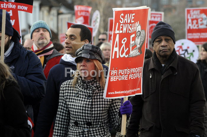 Save Lewisham Hospital march and rally. Local people demonstrate against the plans to close their local A & E and maternity health facilities. - Stefano Cagnoni - 2013-01-26