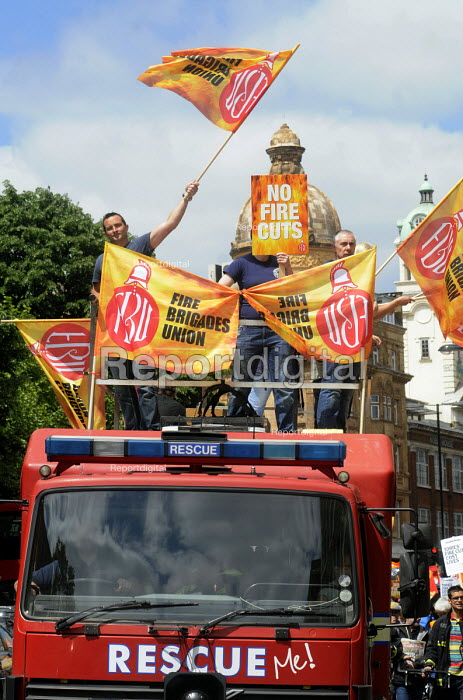 Demonstration by local residents, supporters and trade union members against the planned closure of Clerkenwell Fire Station as part of austerity cuts to public services. - Stefano Cagnoni - 2013-06-08