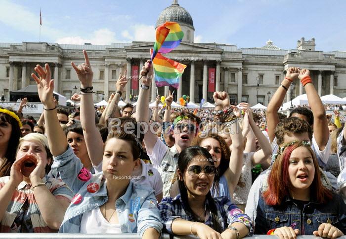 Gay Pride parade, London, 2013. Rally at Trafalgar Square. - Stefano Cagnoni - 2013-06-29