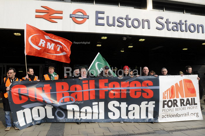 On the fifitieth anniversary of the Beeching Report, outside Euston Station, Bob Crow, Gen. Sec. of RMT, Manuel Cortes, Gen. Sec. of TSSA & Mick Whelan, Gen. Sec. of ASLEF join an Action For Rail national campaign objecting to passengers paying ever-increasing fares for slimmed down services & reduced staff. - Stefano Cagnoni - 2013-03-27