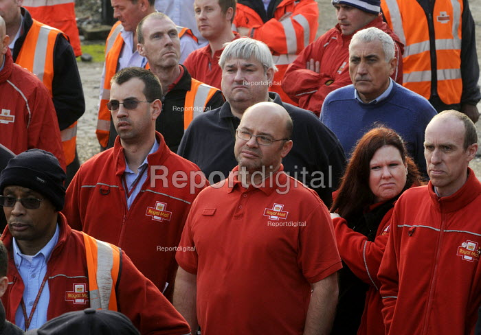 CWU members at a mass meeting following the privatisation of the Royal Mail, Mount Pleasant Sorting Office, London - Stefano Cagnoni - 2013-10-15