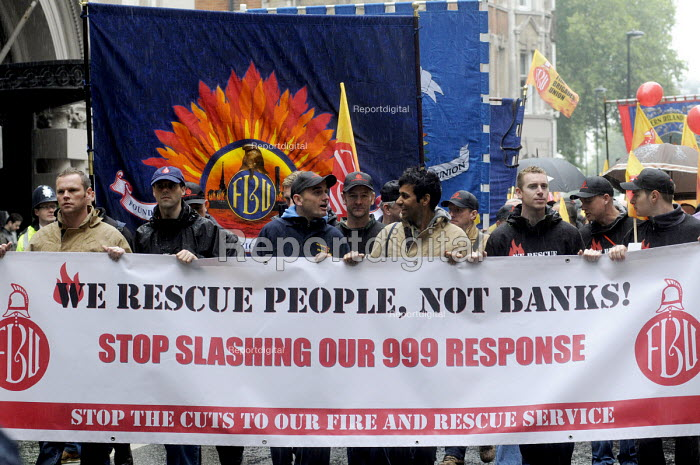 We Rescue People Not Banks. National demonstration by the FBU against cuts in the fire service & proposed changes to firefighters' pension rights. - Stefano Cagnoni - 2013-10-16