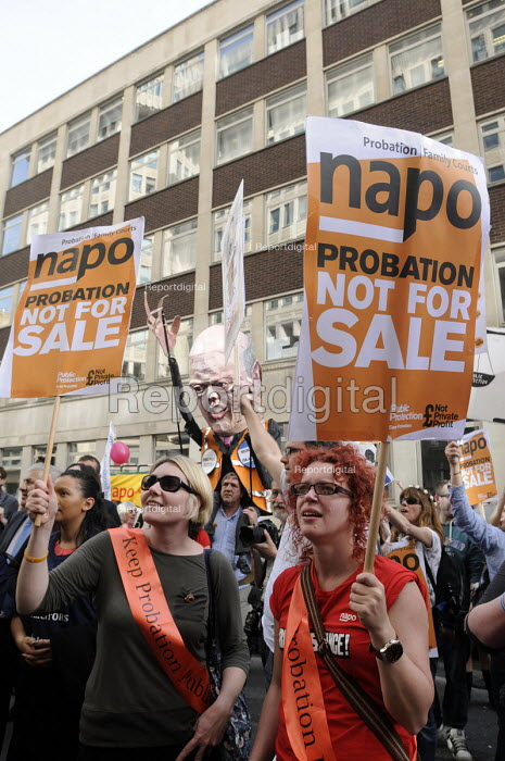 NAPO members at the Ministry of Justice protesting against Government proposals to privatise the probation service. - Stefano Cagnoni - 2014-04-01