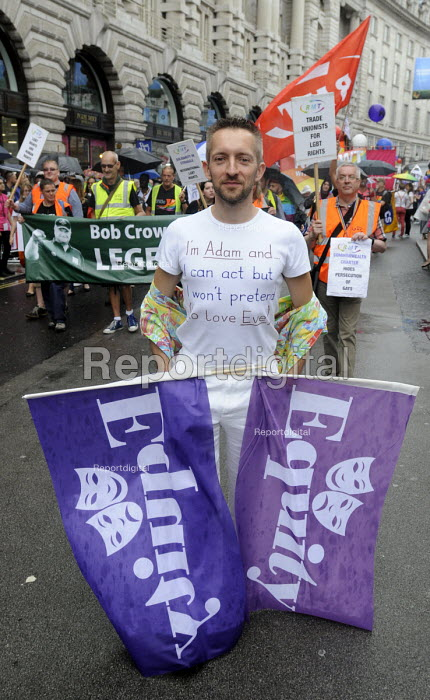 Gay Pride. London. 2014. EQUITY trade union members on the parade. - Stefano Cagnoni - 2014-06-28