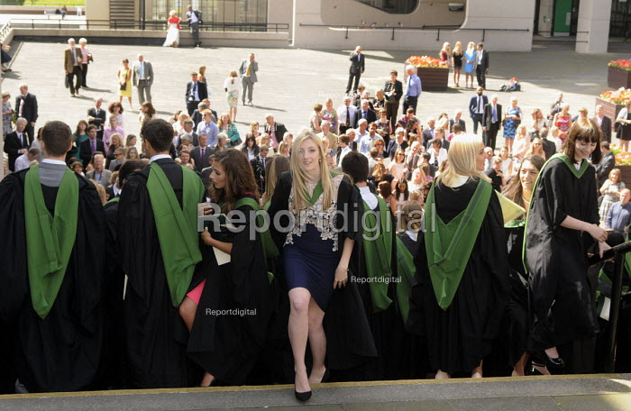 Maths Graduates set off after a group photo following their Graduation ceremony at the University of Leeds. - Stefano Cagnoni - 2014-07-16