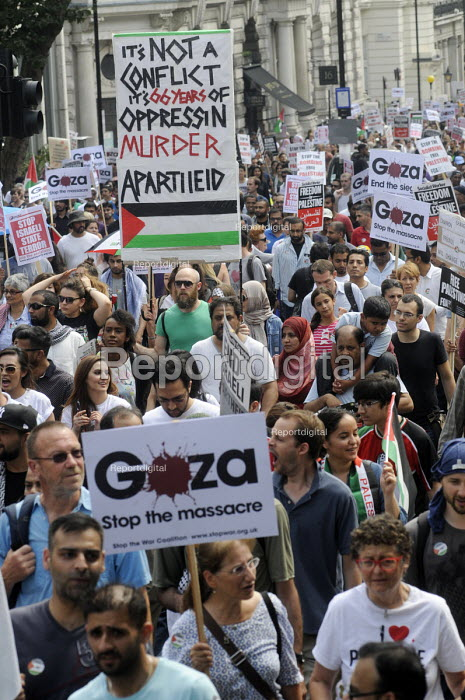 End The Siege of Gaza protest march organised by the Palestine Solidarity Campaign, London. - Stefano Cagnoni - 2014-07-19