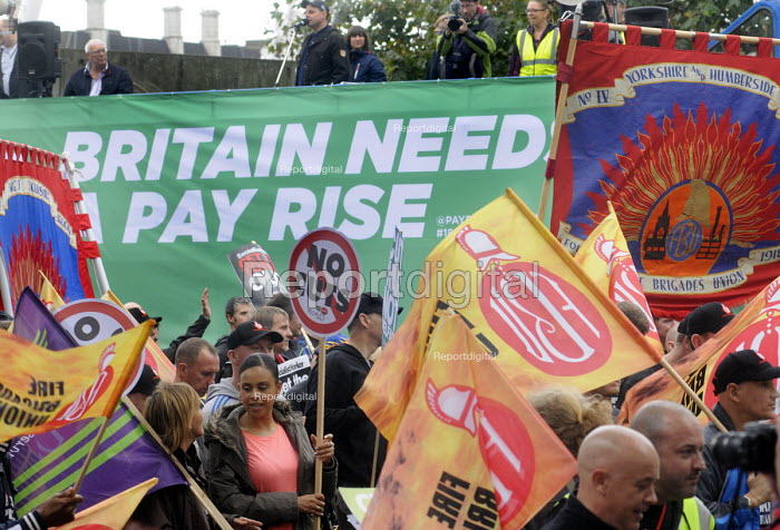 TUC Britain Needs A Pay Rise national demonstration, 2014, London.  FBU trade union members on the march. - Stefano Cagnoni - 2014-10-18