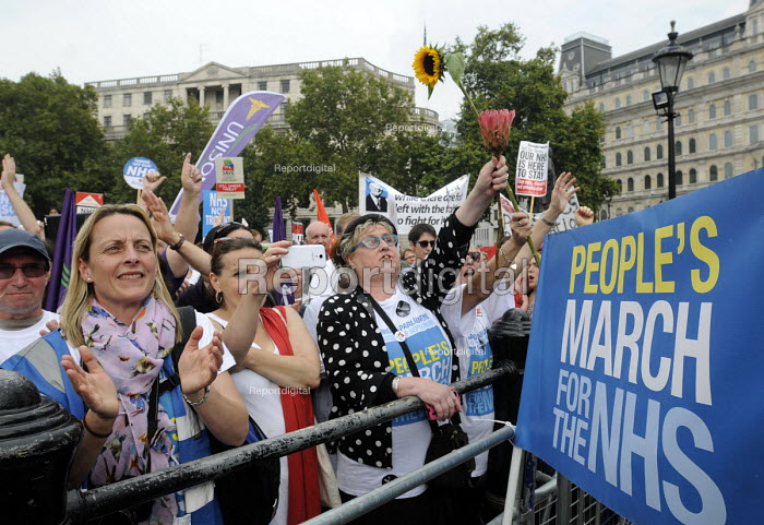 Jarrow People's March for the NHS. After 300 miles the march arrives in London for a demonstration and rally in Trafalgar Square in support of the National Health Service. - Stefano Cagnoni - 2014-09-06