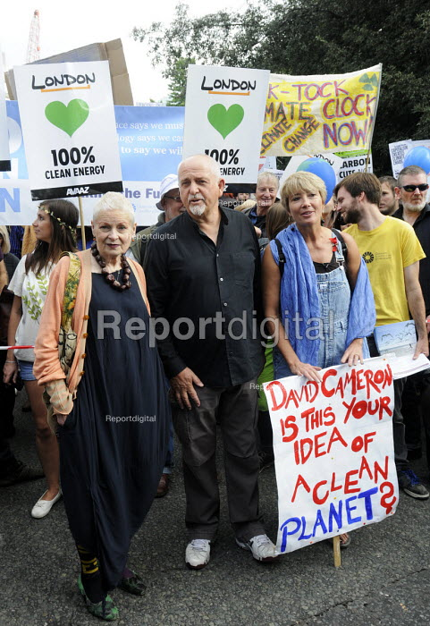 People's Climate Change demonstration, London. Designer, Vivienne Westwood, singer Peter Gabriel & actor, Emma Thompson at the front of the march. - Stefano Cagnoni - 2014-09-21