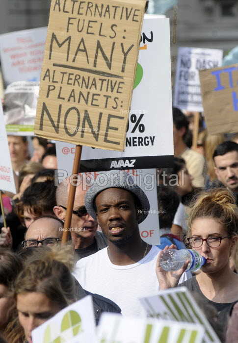 People's Climate Change demonstration, London. - Stefano Cagnoni - 2014-09-21