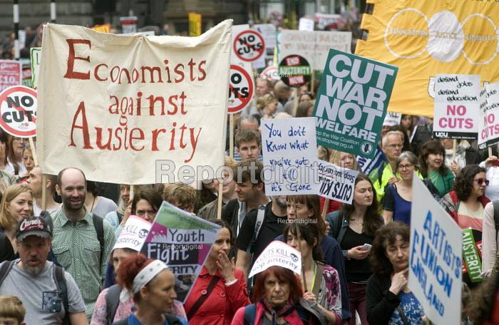 No to Austerity march, London, 2015. Economists Against Austerity Bloc. - Stefano Cagnoni - 2015-06-20