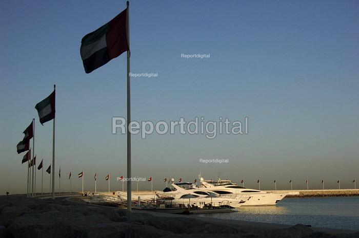 Luxury motor yachts moored at the marina, Jumeirah beach, Dubai - Simon Edwards - 2007-10-06