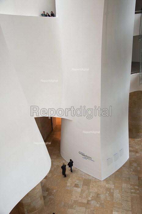 Guggenheim Museum, Bilao, Spain. - Janina Struk - 2010-12-28