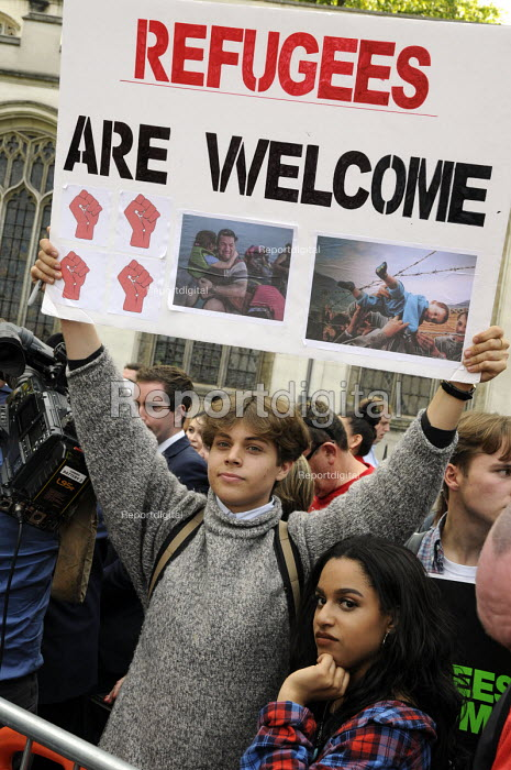 Refugees are welcome protest London - Janina Struk - 2015-09-12