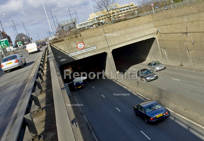 The eastern side of the A40 underpass beneath the A406 North Circular Road at the Hanger Lane Gyratory system - John Sturrock - 2005-03-12