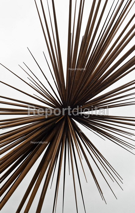 Detail of the 'B of the Bang' sculpture by Thomas Heatherwick in north east Manchester.The tallest sculpture in the UK. The name 'B of the Bang' is inspired by Olympic Gold Medal winning sprinter Linford Christie. - John Sturrock - 2005-04-18