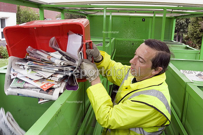 ECT collection for the recyling of domestic waste in Warwick
