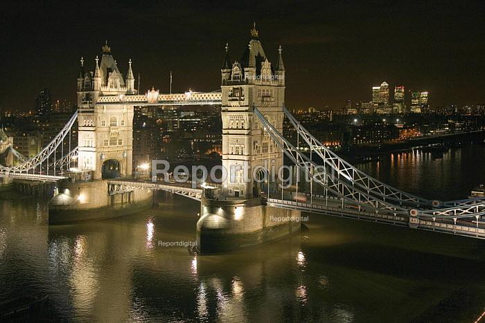 Tower Bridge seen at night from City Hall - John Sturrock - 2006-11-20
