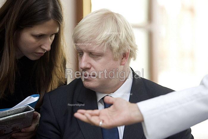 Boris Johnson, candidate for Mayor of London visits the Mohammed Park Masjid Complex of the Dawoodi Bohra Muslim Community in Northolt, west London - John Sturrock - 2008-04-04