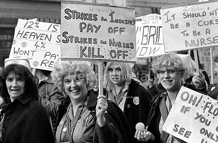 NHS pay dispute 1982 RCN (Royal College of Nursing) nurses march in protest at a four percent pay offer - John Sturrock - 1982-07-20