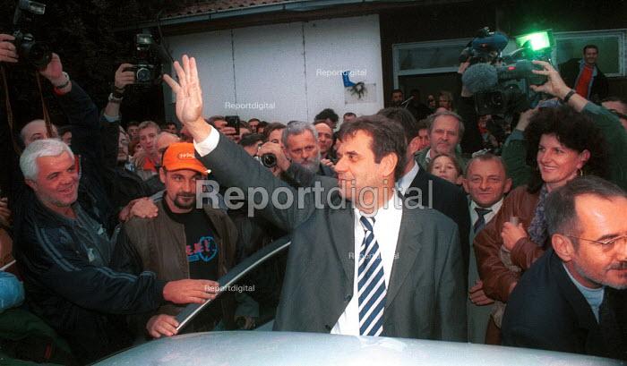 Recently elected President Vojislav Kostunica at Klubara mine. Serbia. 2000 - Andrija Ilic - 2000-07-01