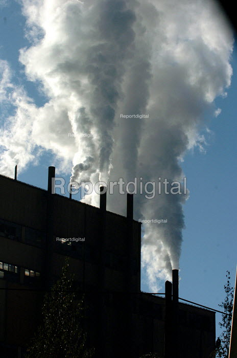 Air pollution from a factory, Ibarska magistrala, Serbia 2004. - Andrija Ilic - 2004-09-11