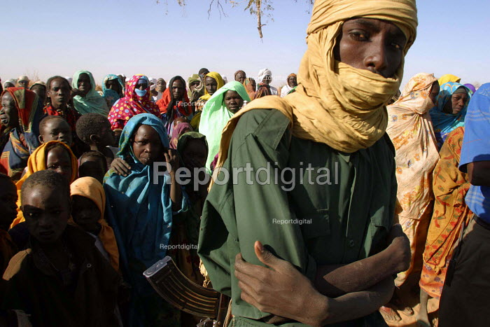 Sudanese refugees who have fled attacks by Government supported forces in the Darfur region to go to UNHCR camps in Eastern Chad. 2004 - Boris Heger - 2004-09-01