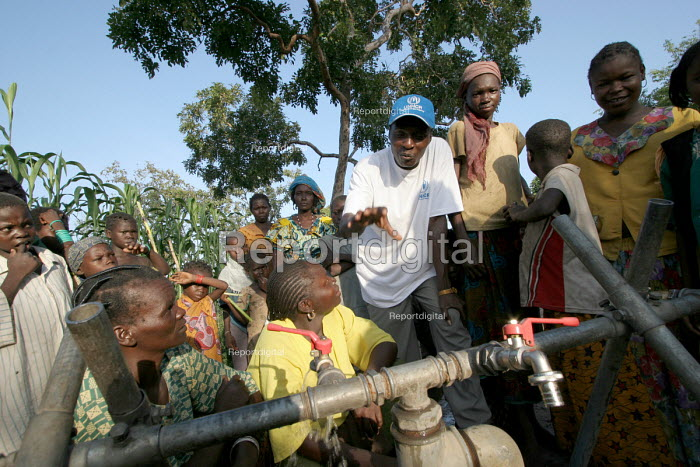 Refugees who have fled across the border from conflict in the Central African Republic ( CAR ) arrive in Chad where they are registered and assisted by aid workers from UNHCR. Chad 2005 The provision of clean drinking water prevents water borne disease. - Boris Heger - 2005-09-17