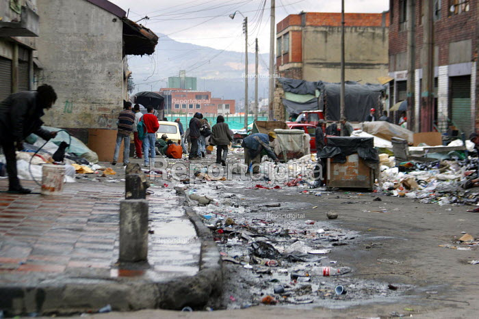 Altos de Cazuca is the poorest and most dangerous slum area of Bogota. More than half the population now live in the cities, often destitute and living in very poor conditions. Bogota, Colombia 2004 - Boris Heger - 2004-09-01