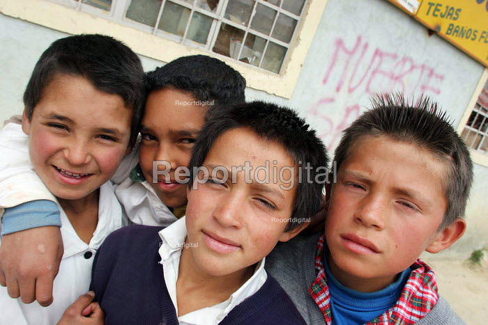There are two million displaced persons in Colombia, many of whom have moved to the big cities where they live in very poor conditions in slum areas. Bogota, Colombia 2004 - Boris Heger - 2004-09-01