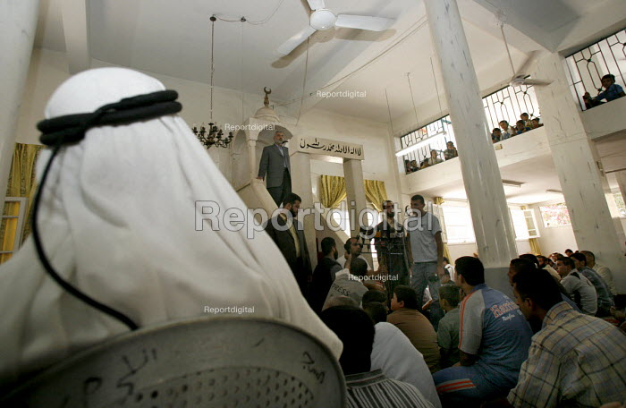 Shijaia. Gaza City. The Palestinian prime minister Ismail Haniya at friday prayer in the Alislah Mosque. Since the Israeli military re entered the Gaza Strip he has had to keep a low profile as he is a target for the Israeli military. - Thomas Morley - 2006-07-28