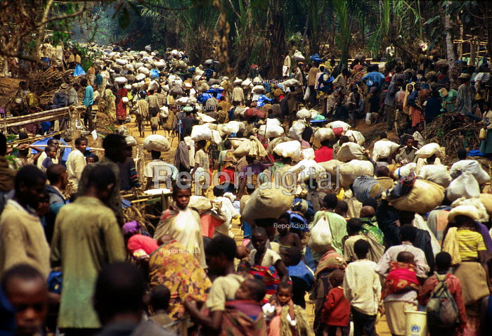 Rwandan Hutu refugees who have survived a massacre in revenge for the 1994 genocide. Biaro camp, Kisangani, Zaire - Congo 1997 - Howard Davies - 1997-05-03